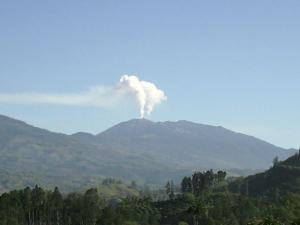 costa-rica-erupting-volcano-21.jpg